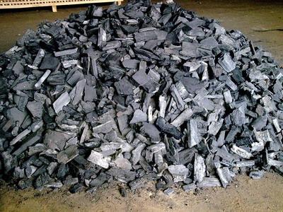 Как изготовить древесный уголь