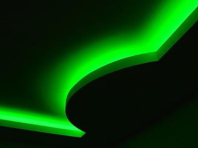 Очарование интерьерной иллюминации: устанавливаем неоновую подсветку на потолке