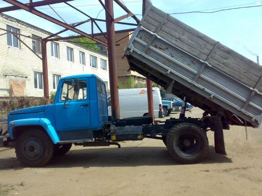 Самосвал ГАЗ-3307: демонстрация выгрузки