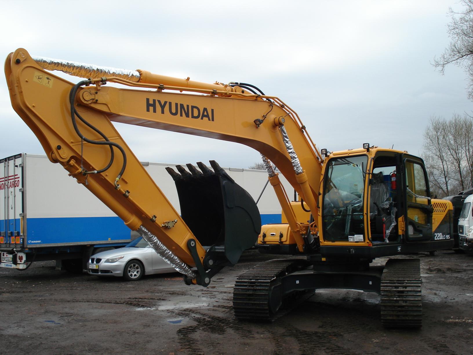 Внешний вид экскаватора Hyundai R220LC 9S