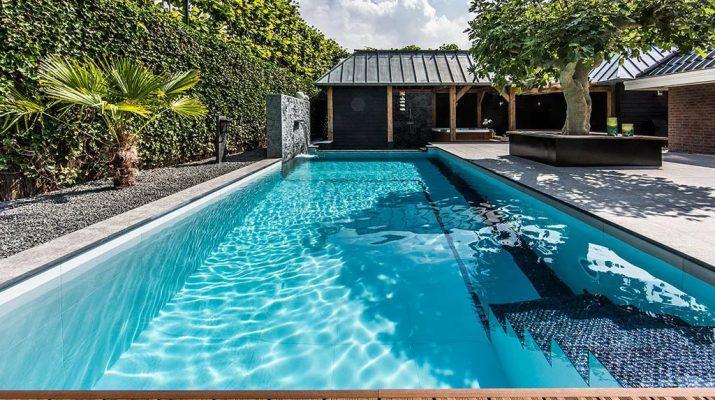 Связываем стиль дома с зоной бассейна