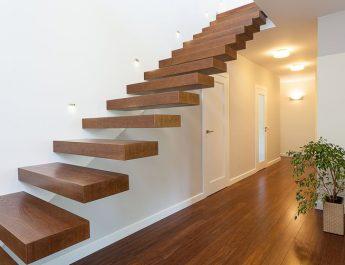 Лестница для загородного дома